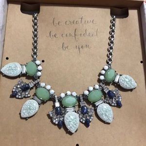 Brand new Chloe+Isabel statement necklace